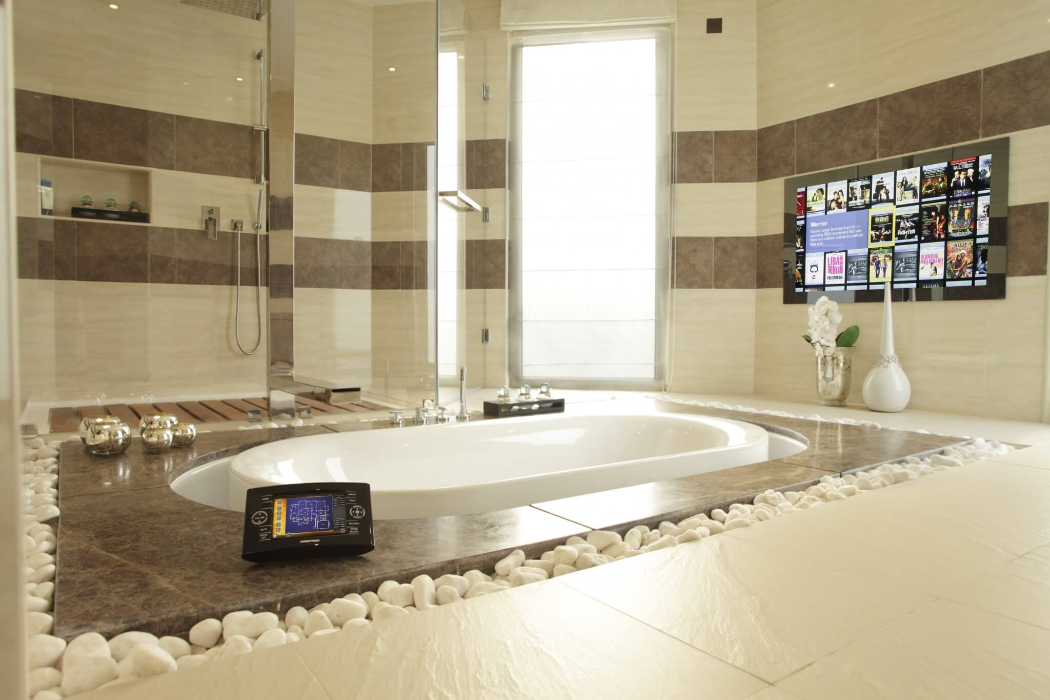 Bathroom-showing-Touchpanel-Mirror-TV